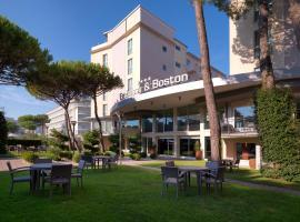 Hotel Embassy & Boston, hotell i Milano Marittima