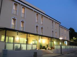 Hotel Fontanelle, hotel dicht bij: Luchthaven Forli - FRL, Fratta Terme