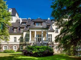 Pałac Ciekocinko Hotel Resort & Wellness – hotel w pobliżu miejsca Hala Sportowa w mieście Ciekocinko
