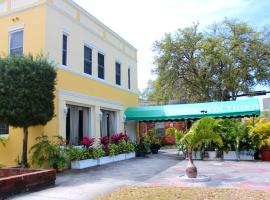 The Inn On Third, hotel near Treasure Island Golf Tennis Recreation Center, St Petersburg