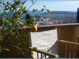 Anita's Bed and Breakfast, hotel in zona Tibidabo, Barcellona