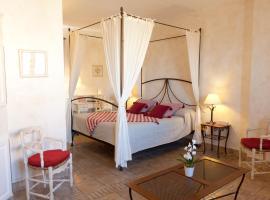 Le Clos de la Glycine, hotel in Roussillon