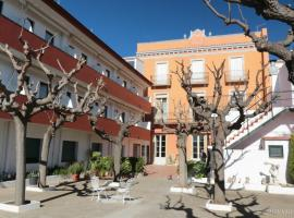 Hostal Plaja, hotel near Can Mario Museum, Palafrugell