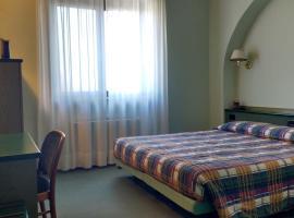 Hotel La Goletta, hotell i Binasco