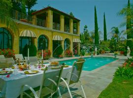 The Villa Sophia Guest House, hotel in Los Angeles