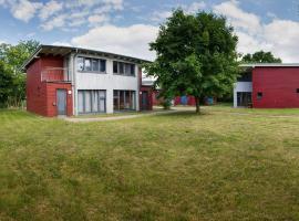 Basiskulturfabrik Öko-Hotel, Hotel in Neustrelitz