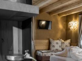 Hotel Orso Grigio, hotel in Cavalese