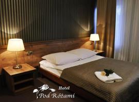 Hotel Pod Różami – hotel w mieście Jedlnia-Letnisko