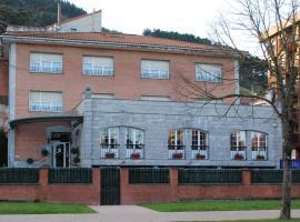 Hotel Gernika - Adults Only, hotel near Club de Golf Artxanda, Guernica y Luno
