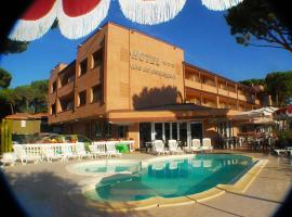 Hotel Riva dei Cavalleggeri, hotell i Marina di Bibbona