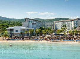 Royalton White Sands Resort & Spa - All Inclusive, hotel a Falmouth