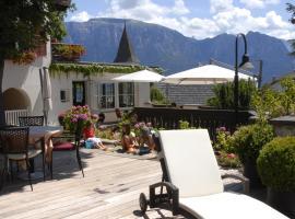 Hotel Dolomiten, hotel in Collalbo