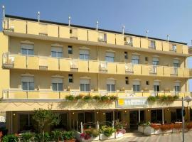Hotel La Capinera, отель в Беллария-Иджеа-Марина