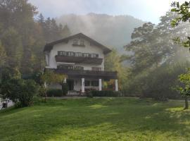 Villa Bergkristall, guest house in Eschenlohe