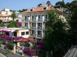Hotel Miranda, hotell i Varazze