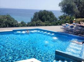 Villaggio Turistico La Fenosa, hotel with pools in Marina di Camerota