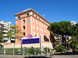 Hotel Sud Est by Fam Rossetti, hotell i Lavagna