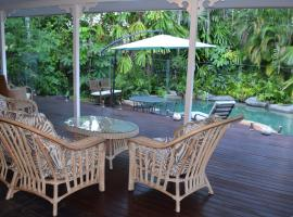 South Pacific Bed & Breakfast, hotel in Clifton Beach
