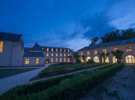 フォンテヴロー ロテル、フォンテヴロー・ラベイのホテル