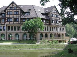 Hotel Rabenstein, hotel near Sport- und Kongresshalle Schwerin, Raben Steinfeld