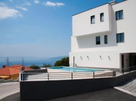 Whitehouse Apartments, hotel in Makarska