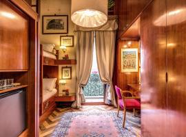 Suite Frattina 34, homestay in Rome