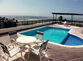 Calhau Praia Hotel, hotel with pools in São Luís