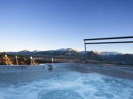Le Grand Tétras, hotel with jacuzzis in Font-Romeu
