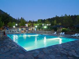 Bungalow - Camping Apollon, ξενοδοχείο στους Δελφούς