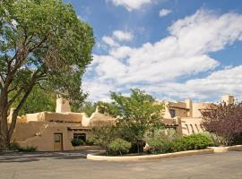 Sagebrush Inn & Suites, hotel in Taos