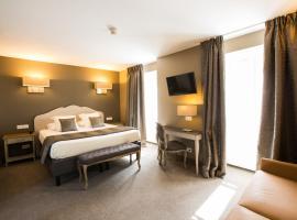 Hotel Le Lion D'Or et Restaurant La Table Du Lion, hotel in Bayeux