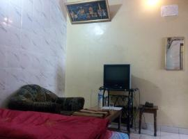 HOTEL OM PALACE - Couple friendly & local id accepted, hotel in Jaipur