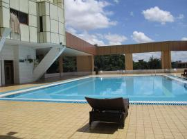 Imperial Royale Hotel, отель в Кампале