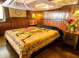 Corto Maltes Amazonia, hotel with pools in Tambopata