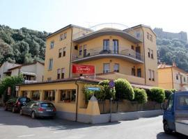 Albergo Rossella, hotel a Castiglione della Pescaia