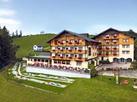 Ferienhotel Hofer superior, hotel a Strass im Attergau