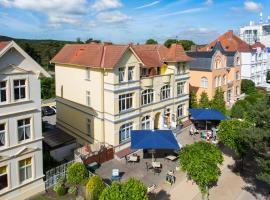 Hotel Villa Seeschlößchen, hotel near Baltic Hills Golf Usedom, Ahlbeck