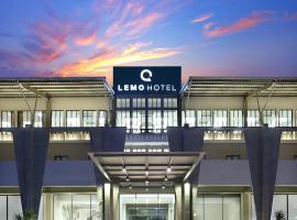 Lemo Hotel Serpong, hotel in Serpong