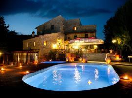 Il Castelluccio Country Resort, farm stay in Barberino di Mugello