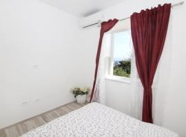 Apartment LU, hotel near Kastelet Beach, Split