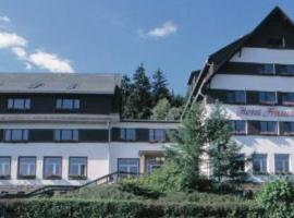 Hotel Frauenberger, отель в городе Табарц