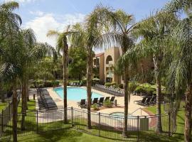 Embassy Suites Phoenix - Tempe, hotel in Tempe