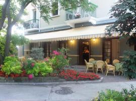 Hotel Milano, hotell i Grado