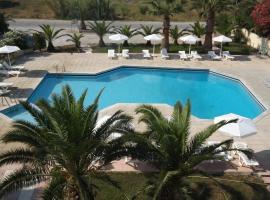 Leonidas Hotel & Studios, отель в Косе