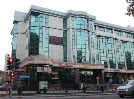 Taj Palace Hotel, отель в Душанбе