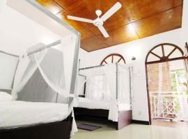 2in1 Kandy Hostel, hostel in Kandy