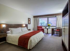 MR Hotel Providencia (ex Hotel Neruda), hotel cerca de Costanera Center, Santiago