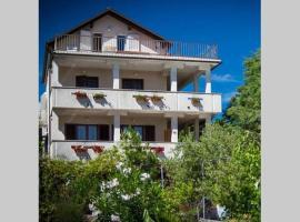 Apartments Loncar, hotel near Drazica Beach, Krk