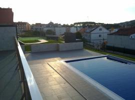Residencial Parque los Laureles, hotel with pools in Portonovo