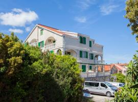 Apartments Chiara, hotel near Beaches on Badija Island, Korčula